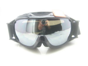 Anti-Fog 100% UV Protected Safety Goggles for Skiing pictures & photos