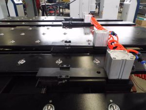 Sheet Metal Hole CNC Punching Machine with Feeding Platform pictures & photos