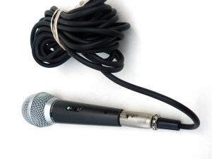 Sm58s Karaoke Corded Dynamic Mic Microphone pictures & photos