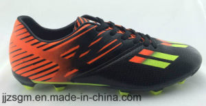 Fashion Comfortable Sports Football/Soccer Shoes for Men pictures & photos
