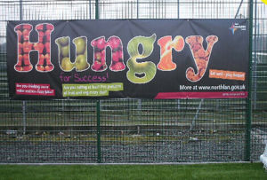 Custom High Quality Outdoor Fence and Wall Advertising Hanging Banners pictures & photos