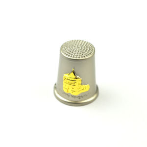 Customized Metal Gold Thimbles for Souvenir pictures & photos