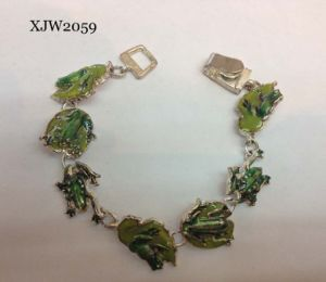 Cute Style Enamel Charms Bracelet (XJW2059) pictures & photos