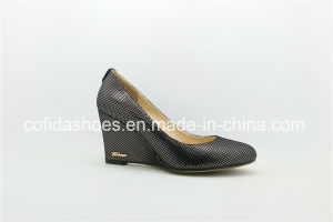 Comfortable Classic Lady Wedge Shoes with Simple Design pictures & photos