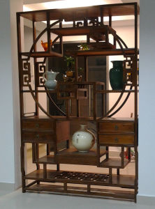 Antique Furniture Chinese Big Wooden Display Shelf Lwa469 pictures & photos
