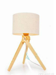 Wood Tripod Modern Table Lamp/Simple Bedroom Study Lamp pictures & photos