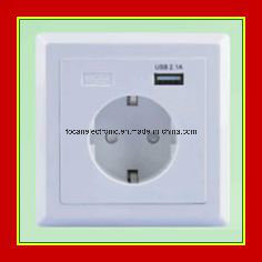 Germany Schuko Socket 2.1A USB Power Charger Socket pictures & photos