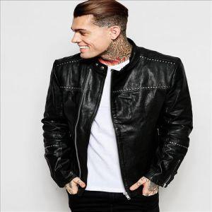 2016 Men′s Leather Biker Jacket with Stud Details in Black pictures & photos
