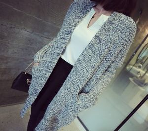 Female Gray Knit Cardigan Lazy Sense Bat Sweater Coat Female (BTQ114) pictures & photos