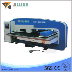 CNC Turret Punching Machine with Economic Cost pictures & photos