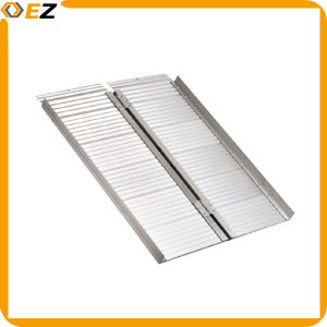 Multi-Folded Portable Aluminum Wheelchair Ramp pictures & photos