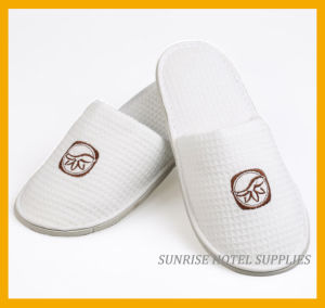 5 Star Luxury Hotel Cotton Waffle Slippers pictures & photos