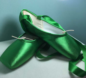 Colorized/Green Satin Point Shoes for Women pictures & photos