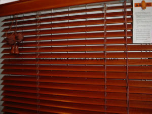 Timber Venetian Blinds pictures & photos