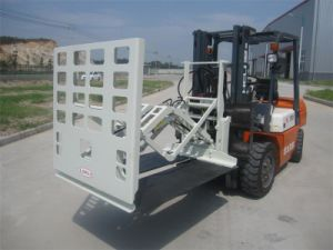 3 Ton Diesel Forklift with Bag Load Push pictures & photos