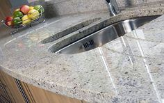 Wholesale Polished New Indian Kashmire White Granite Kitchen Countertop pictures & photos