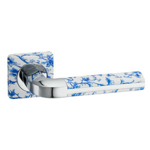 High Quality Zinc Alloy Door Handle on Rose (R103-Z132) pictures & photos