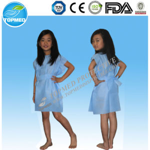 Disposable Round-Neck Isolation Gown Patient Gown pictures & photos