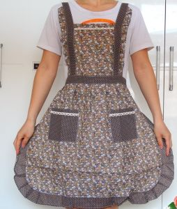 New Fashion Housewife Kitchen Cotton Apron pictures & photos