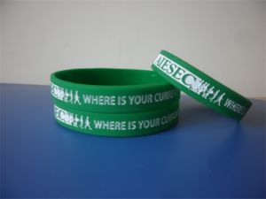 High Quality Customized Green Wristband and White Ink Filled Rubber Bracelets