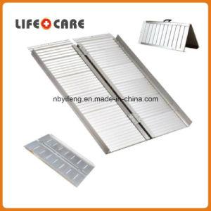 Aluminium Lightweight Wheelchair Folding Loading Ramp pictures & photos