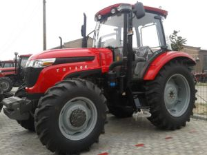 120HP 4WD Farm Tractor Four Wheel with New Cab pictures & photos