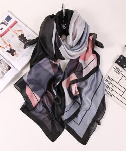 Wholesale Fashion Printed Pashmina Long Silk Scarf for Lady pictures & photos