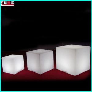 Big Cube Table Glass Cube Table LED Furnishing LED Light up Cube Table pictures & photos