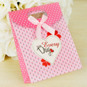 Kraft Print Paper Shopping Carrier Art Paper Bag for Wine Jewelry Gifts Present Christmas Cosmetic Travelling Packing Bank (E037) pictures & photos