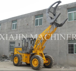China Cheapest Wood Grab Tractors Timber Clamping Tractors for Sale pictures & photos
