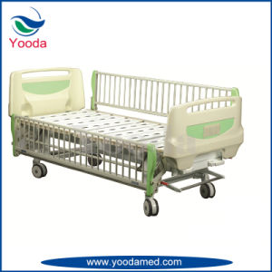 Hospital Children Bed with 2 Revolving Levers pictures & photos