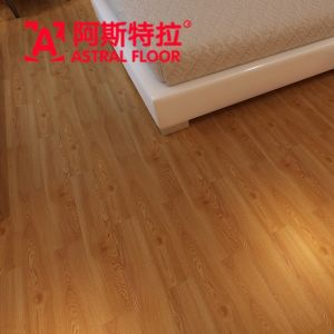 12mm Oak Sughero Color Melamine Engineered Flooring (Ay1704) pictures & photos