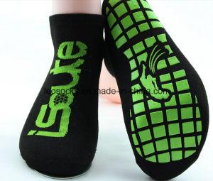 Custom Anti Slip Kids Indoor Jump Trampoline Sport Socks pictures & photos