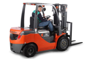 3.0ton Forklift Truck with Japanese Isuzu Engine pictures & photos