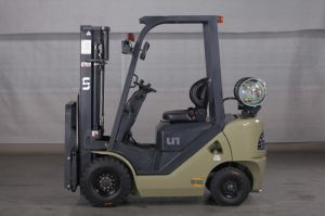 Un Capacity 1800kg 1.8t Gasoline and LPG Dual Fuel Forklift with Original Japanese Imported Nissan K21 Engine pictures & photos