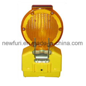 Solar Traffic Warning Lights Yellow Blinker LED Barricade Light pictures & photos