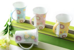 320ml Ceramic Coffee Mugs with Blossoming Flower