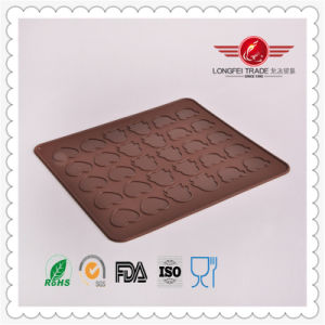 2015 High Quality Silicone Macaron Baking Mat pictures & photos