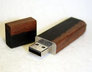 Wooden USB Flash Drive with OEM Logo (PZW218) pictures & photos
