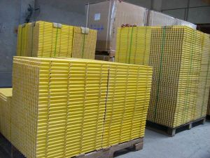 Pultruded Not-Slide Corrosion Resistance Fiberglass Grating pictures & photos