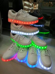 Lady′s Fashion LED Shoe, Flash Leather Shoe with 8 Hours LED Lighting, USB Charging (XZL-2367) pictures & photos