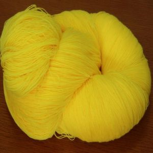 100% Acrylic Yarn in Nm28/2, 32/2, 36/2 pictures & photos