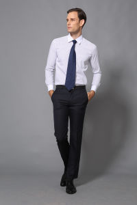 Newest Men′s Dress Formal White Shirt of Factory Price --Md1a8574 pictures & photos
