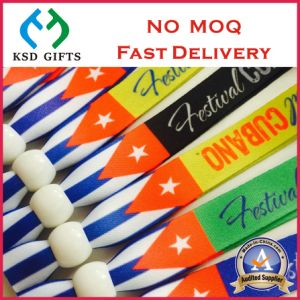 Hot Sale Custom Fabric Textile Wristband with Metal Clasp pictures & photos