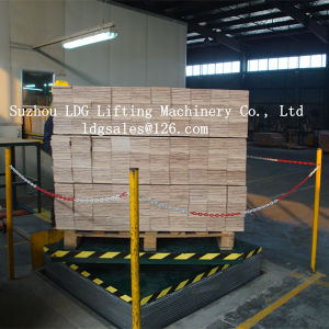 Warehouse Hydraulic Scissor Lifter with Rotation Table pictures & photos