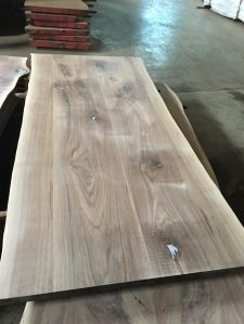 Walnut Multi Planks Table Tops with Live Edge pictures & photos