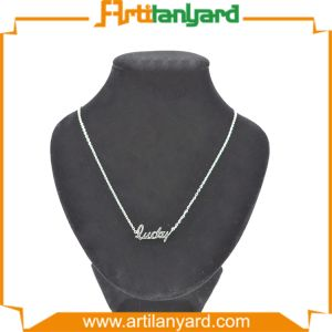 Customized Fashion Necklace with Gift pictures & photos