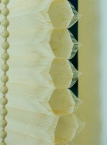 European Style Honeycomb Blind Pleated Blinds Double pictures & photos