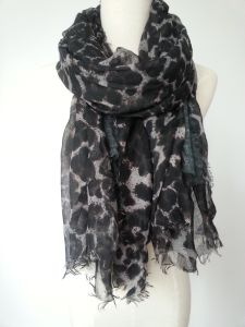 100%Polyester Leopard Print Scarf Ladies Fashion Shawl Fashion Accessories pictures & photos