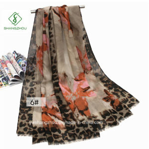 Fashion Lady Scarf Orchid Leopard Printed Thick Satin Shawl pictures & photos